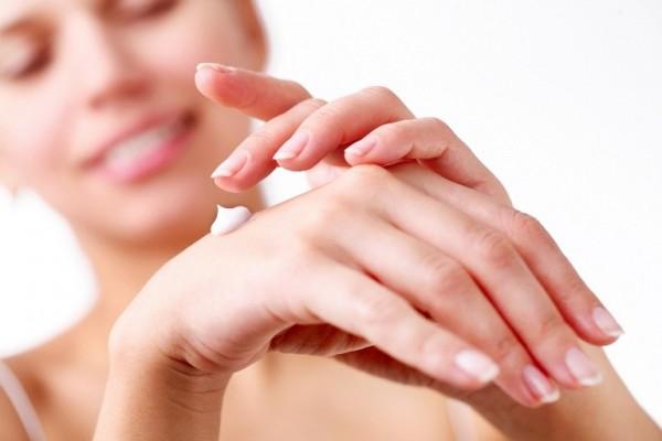 Красивые ухоженные руки очень украшают человека